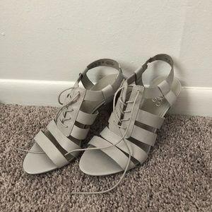 NWT Franco Sarto Gray Tie Leather Heels
